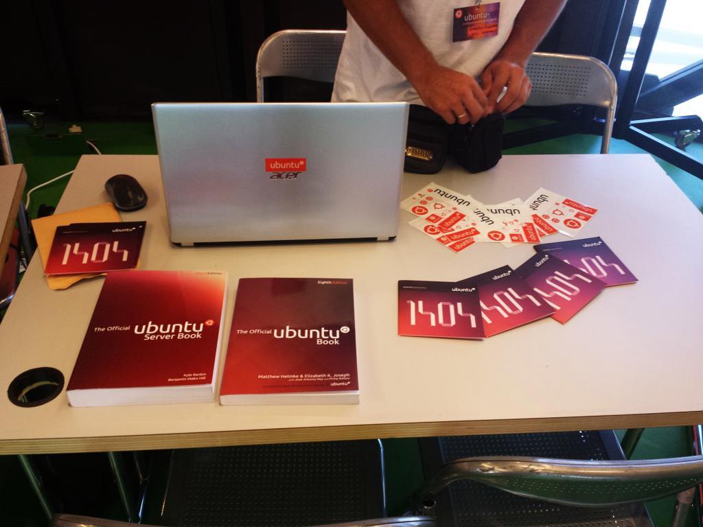 Ubuntu booth